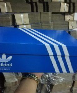 Hộp Adidas