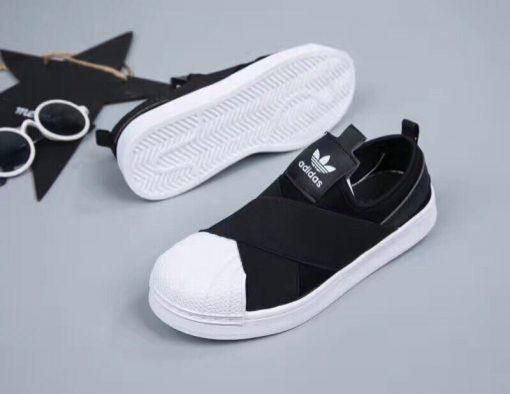 Giày adidas sò chéo