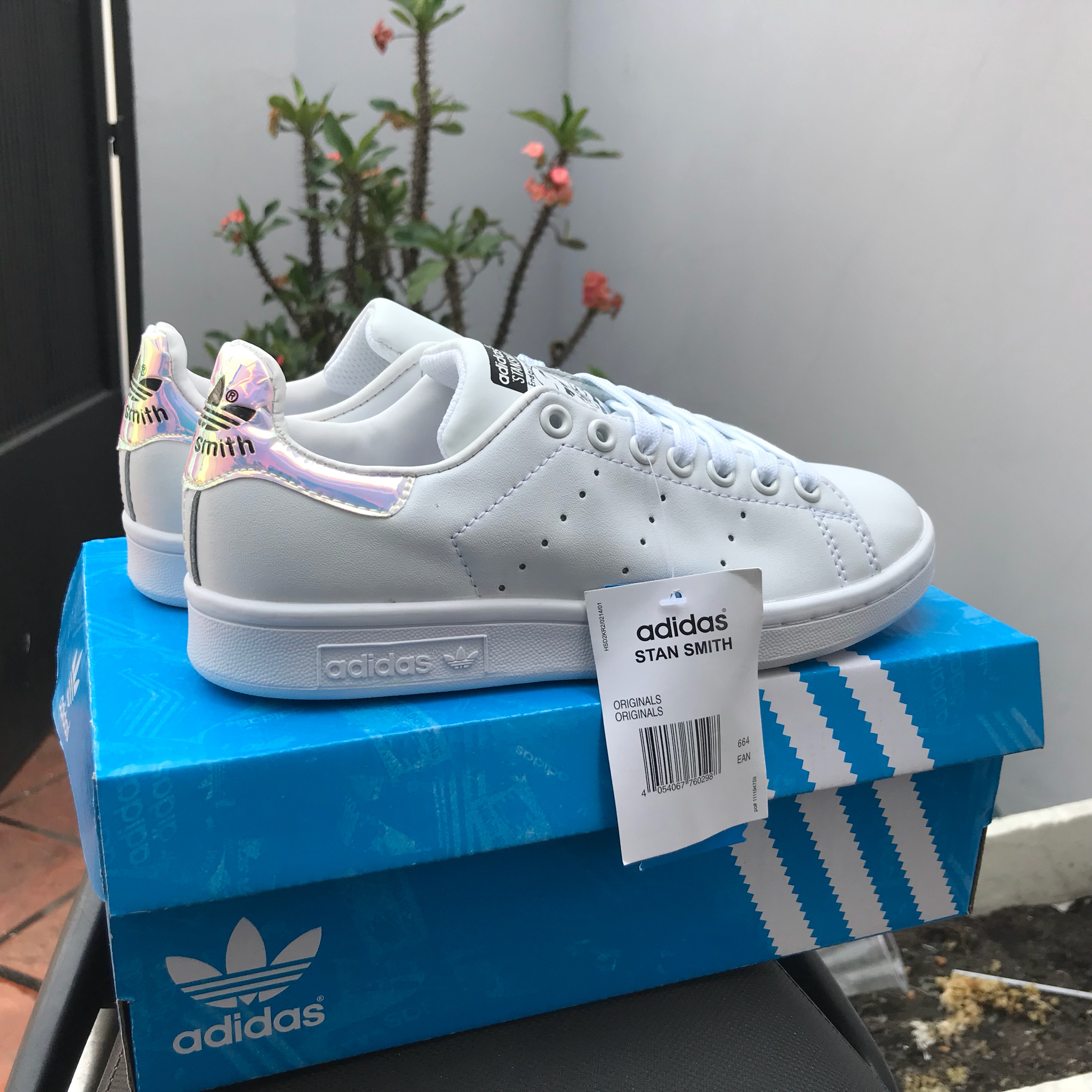 info pour c1533 bec06 Sỉ giày stan smith super fake hologram