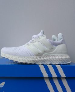 ultraboost Full white