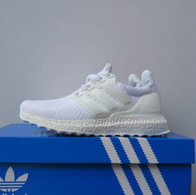 ultraboost Full white