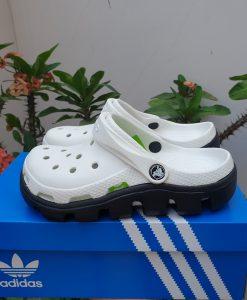 Dép crocs trắng đế đen