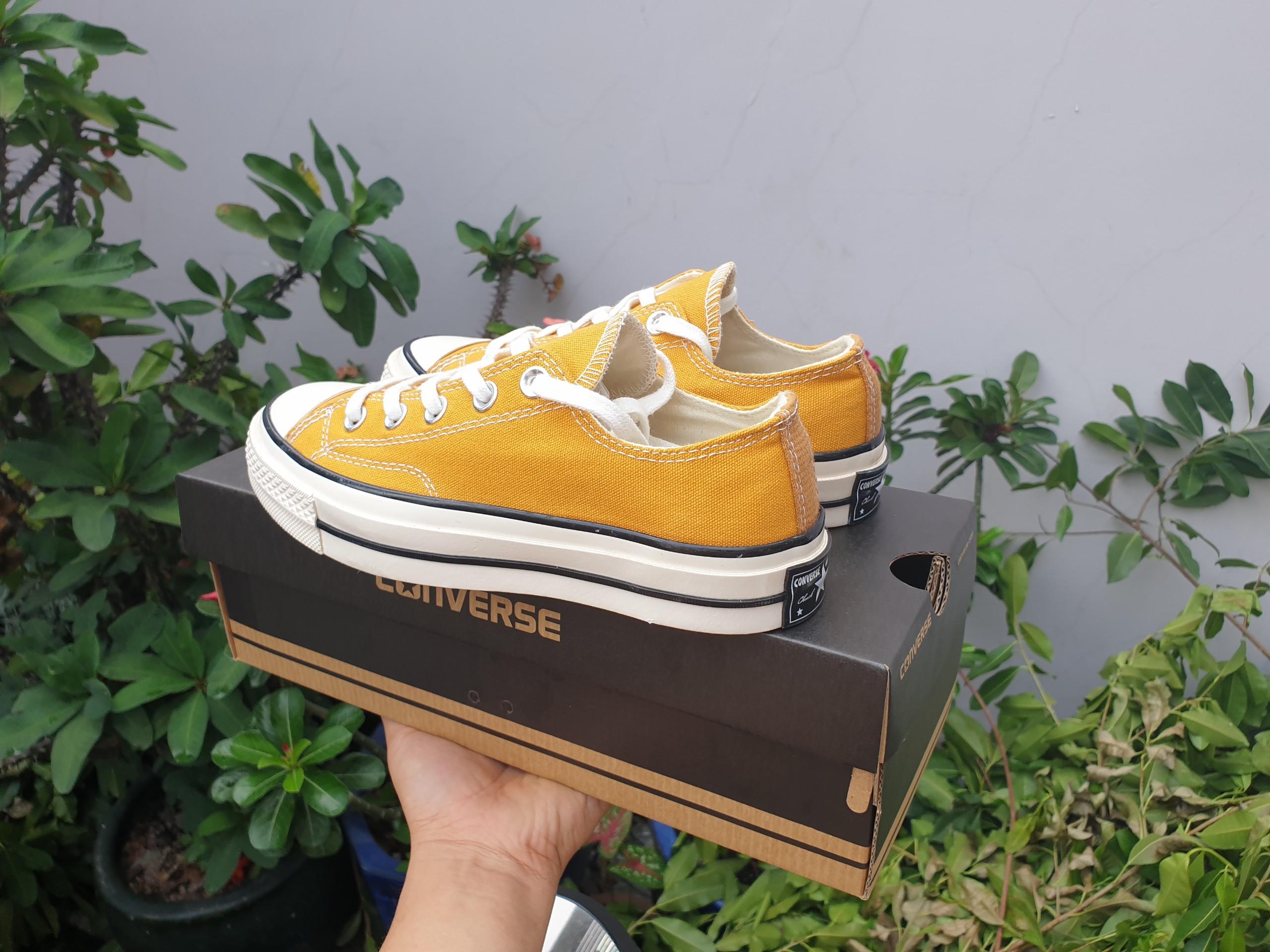 Giày converse vàng cổ thấp replica