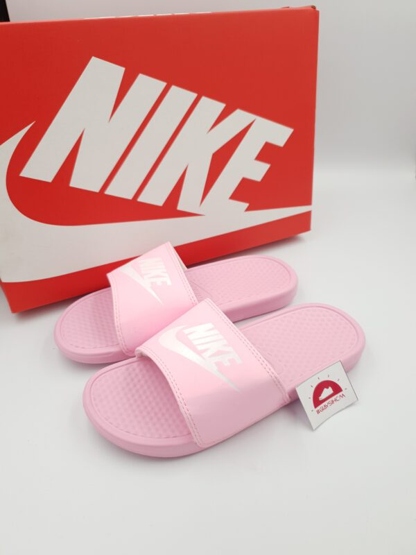 Nike benassi hồng trắng VN