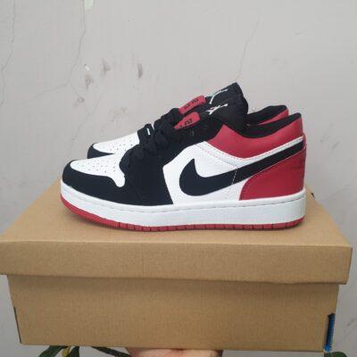 Giày jordan 1 cổ thấp màu đen đỏ