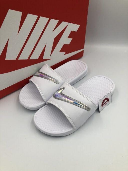 Dép Nike Benassi Hologram trắng