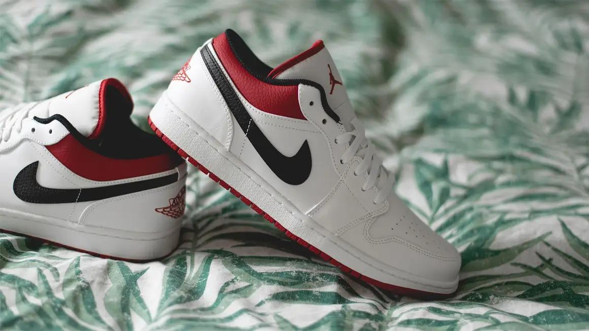 Air-Jordan -1-Low-White-University-Red-Black
