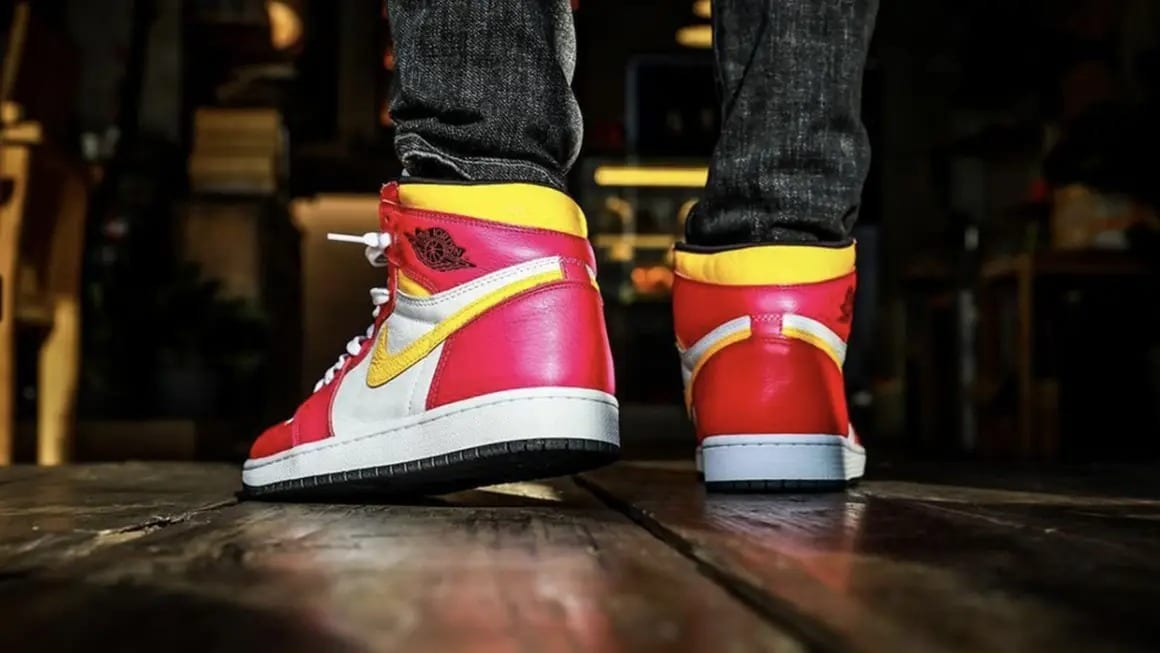 Air-Jordan-1-High-OG-Light-Fusion-Red